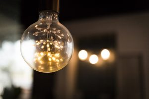 Elementy instalacji elektrycznych w zakładach przemysłowych