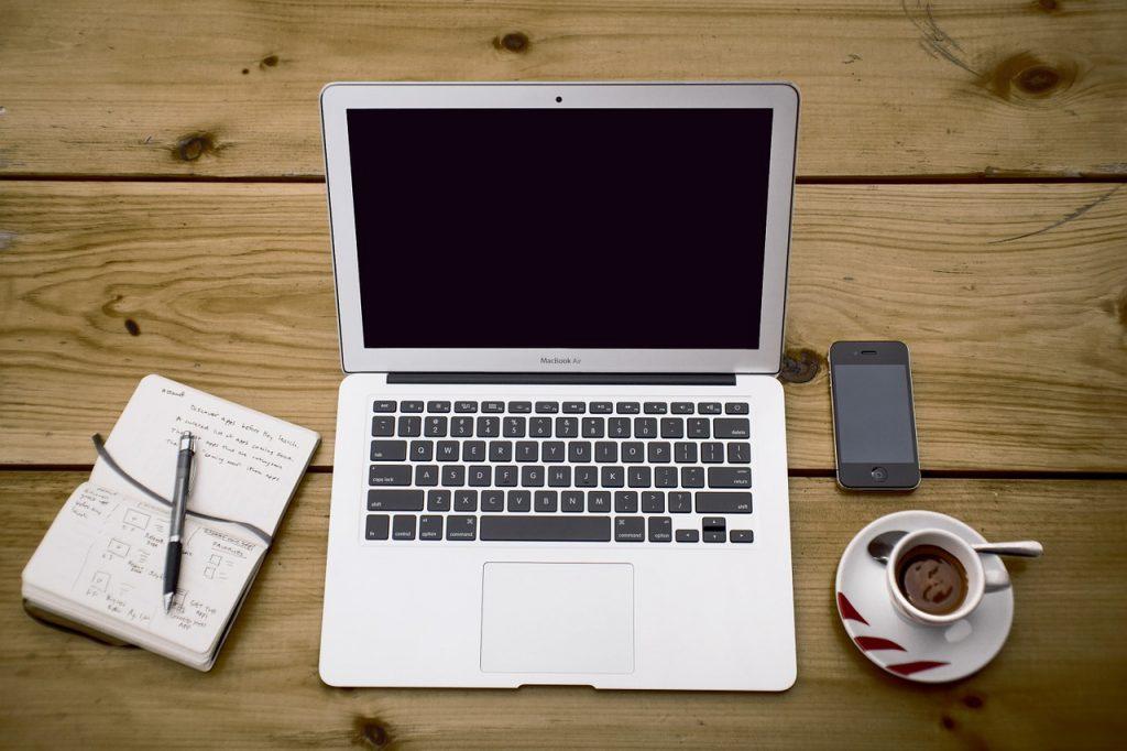 Czy możliwe jest kupienie taniego Macbooka?